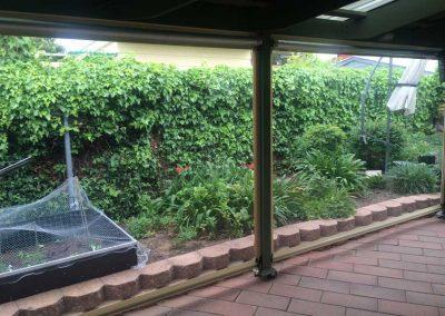 Cafe Blinds hedge