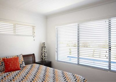 venetian-blinds-landscape-2